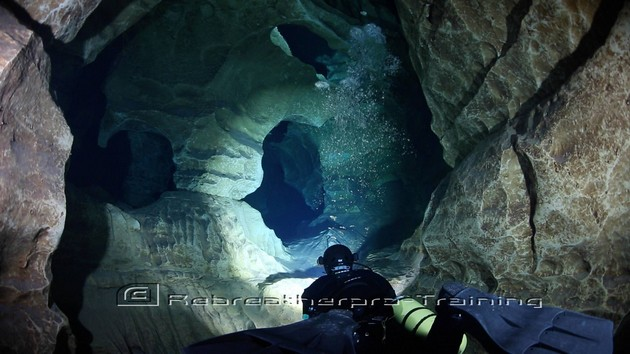 Cave Diving in The South of France. - Rebreatherpro-Training