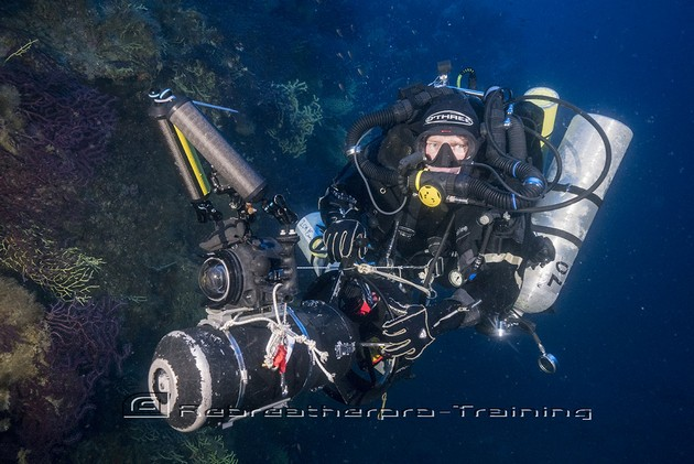 Peter McCamley cruising the wreck of MV Loredan - Rebreatherpro-Training