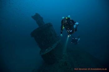 Rebreather Divers on ther HMS Stubburn Rebreatherpro-Training