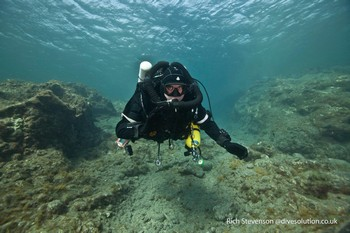 Diver on his IANTD mod1 course using a Megalodon Rebreather Rebreatherpro-Training