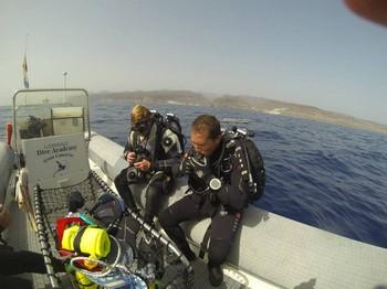 Preparing for a dive on The Bluebird Rebreatherpro-Training