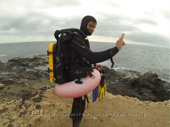 GiGi having a joke about his buoyancy during his rebreather training Rebreatherpro-Training