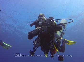 Diver working on their trim on ascend/ descend training. Rebreatherpro-Training