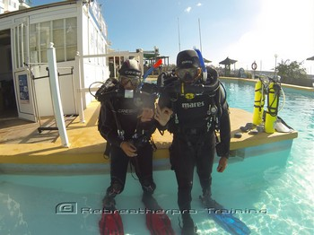 Discover rebreathers together as a couple. You will both have lots of fun ! Rebreatherpro-Training