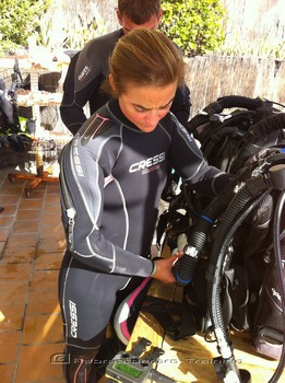 Rebreather aren't just for men, more and more women are taking it up Rebreatherpro-Training