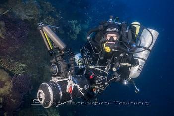 Peter McCamley cruising the wreck of MV Loredan Rebreatherpro-Training