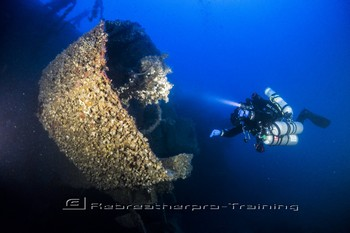Rebreather training in Malta. Rebreatherpro-Training