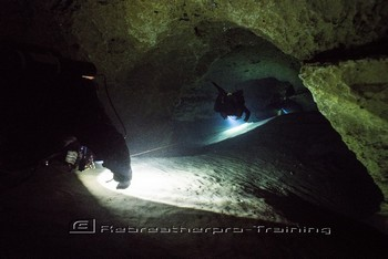 Early history of cave diving in the UK Rebreatherpro-Training