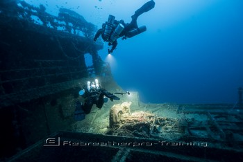 Sicily wreck diving Rebreatherpro-Training