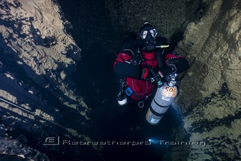 TDI CCR Full Cave Course in Lot France Rebreatherpro-Training